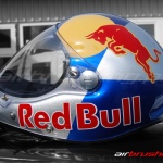 Kask Red Bull 4 airbrushing Daniel Baum